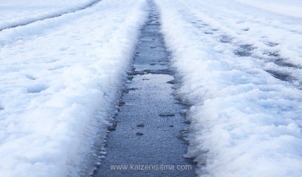 outdoor heating system - snow melting solutions for tire Tracks in Snow - Outdoor heating system